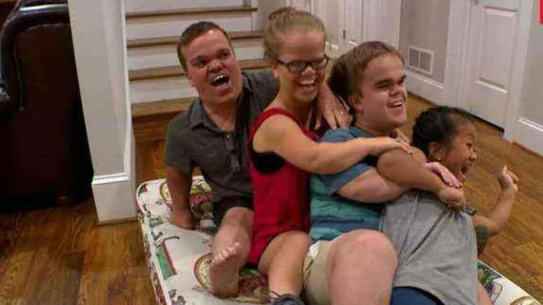Trent, Anna, Jonah and Emma Johnston on 7 Little Johnstons