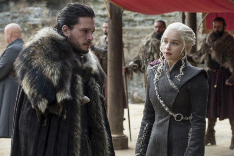 Jon Snow (Kit Harrington) and Daenerys Targaryen (Amelia Clarke) on Game of Thrones.