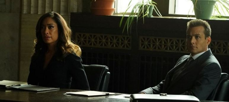 Jessica Pearson and Harvey Specter in Suits TV series