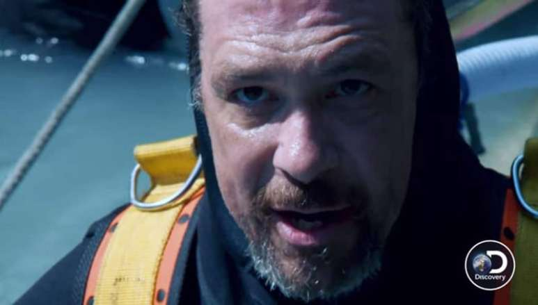 Gold Rush: White Water exclusive sees diver's air hose break and the dramatic rescue