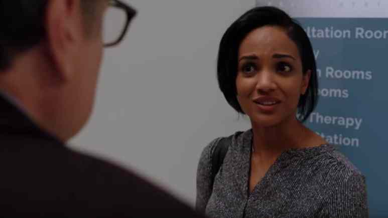 Mekia Cox as Robin Charles on Chicago Med cast.