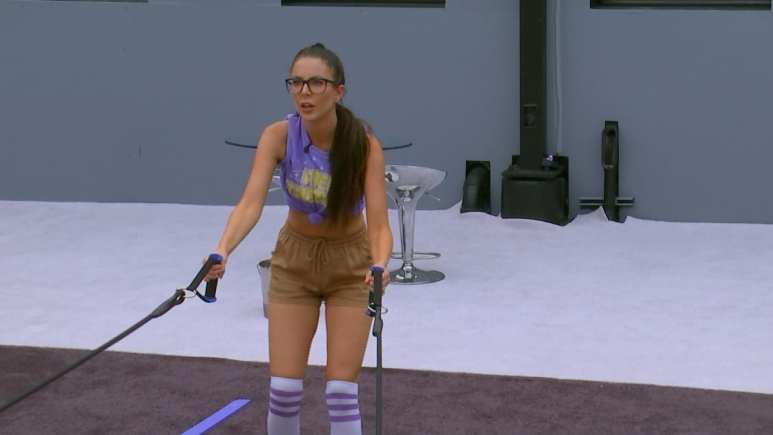 Holly Allen Battling In BB21