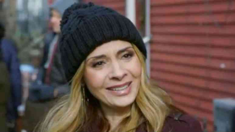 Who plays Maggie the medium on blue Bloods?