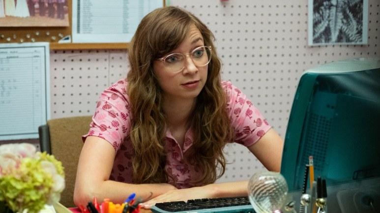 Lauren Lapkus as Carol Hunch on Between Two Ferns: The Movie