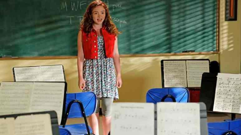 Natalie Alyn Lind in The Goldbergs