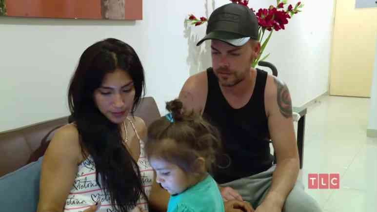 Jeniffer Tarazon and Tim Malcolm with her daughter Violeta