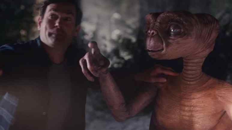 ET and Elliott in A Holiday Reunion