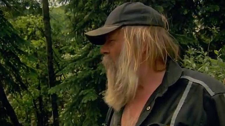 Tony Beets surveys the flooded Hunker Cut and wonders where Monica is, and calls Kevin. Pic credit: Discovery.