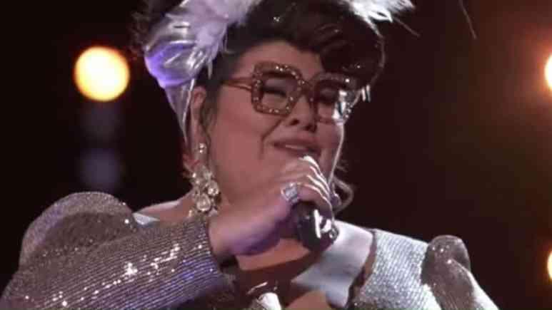 Katie Kadan sings on The Voice