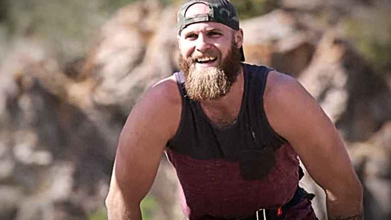 Brad before his hopes and dreams are dashed by a big male Grizzly bear. Pic credit: Discovery.