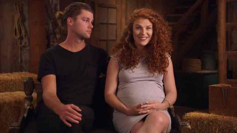 Audrey Roloff Pregnancy Update: Little People Big World Star Seeing Chiropractor, Symphysis Pubis Dysfunction Explained