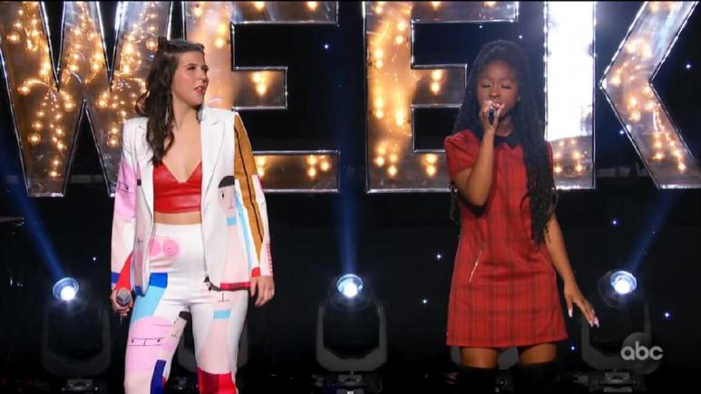 Isa Pena and Olivia duet on the Idol stage