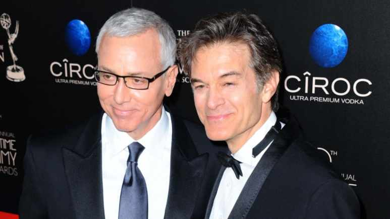 Dr. Drew and Dr. Oz on the red carpet.