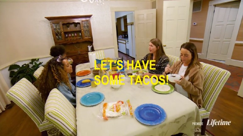 Jessica, Katie, Meka, and Taylor all sitting around taco dinner