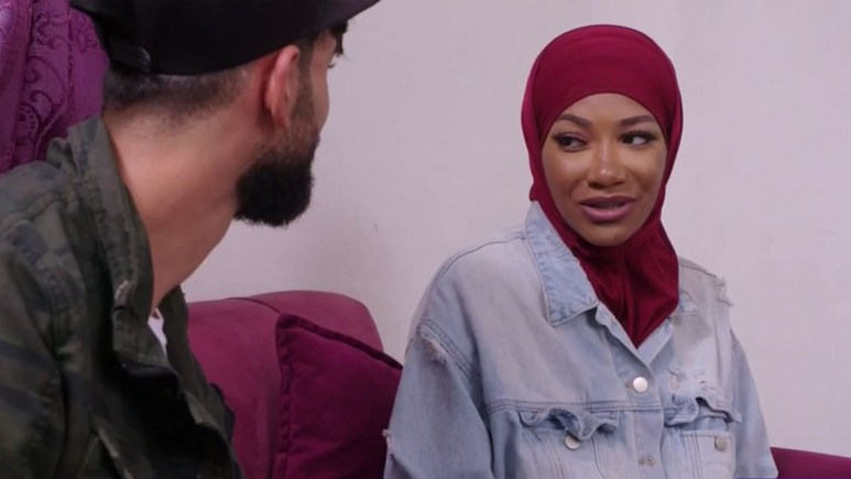 brittany wearing hijeb giving questioning look to yazan on 90 day fiance the other way
