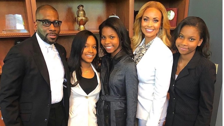 RHOP star Gizelle Bryant with ex-husband Jamal Bryant and daughters at restaurant grand opening