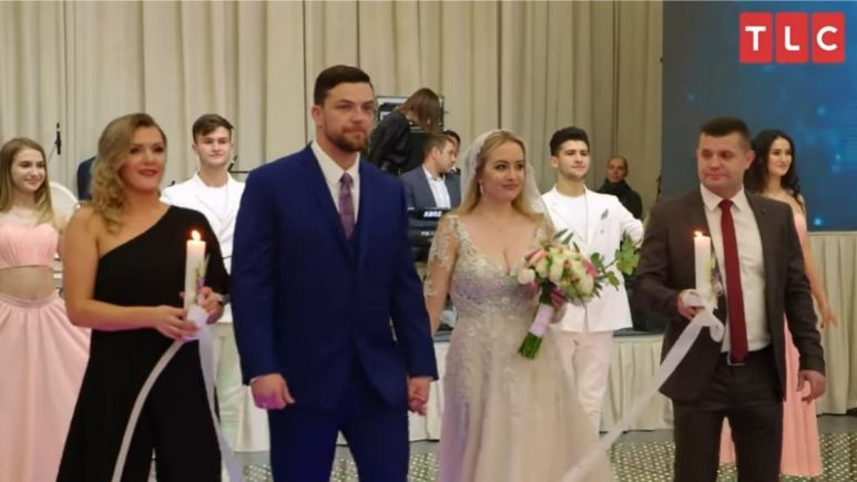 Fans react when 90 Day Fiance: Happily Ever After star Elizabeth Potthast's brother, Charlie, makes a drunken speech during her second wedding to husband, Andrei Castravet in Moldova.