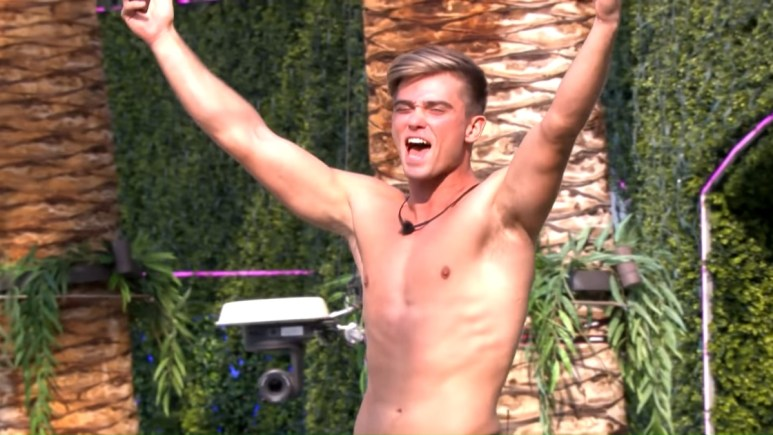 Love Island USA contestant Noah Purvis mysteriously left the show.