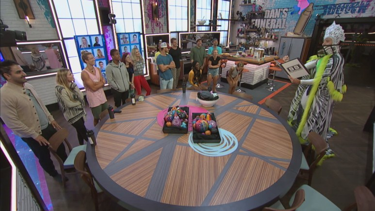 BB22 Cast In LR