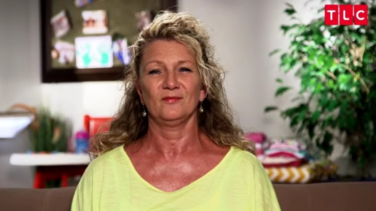 Mimi in an OutDaughtered confessional.