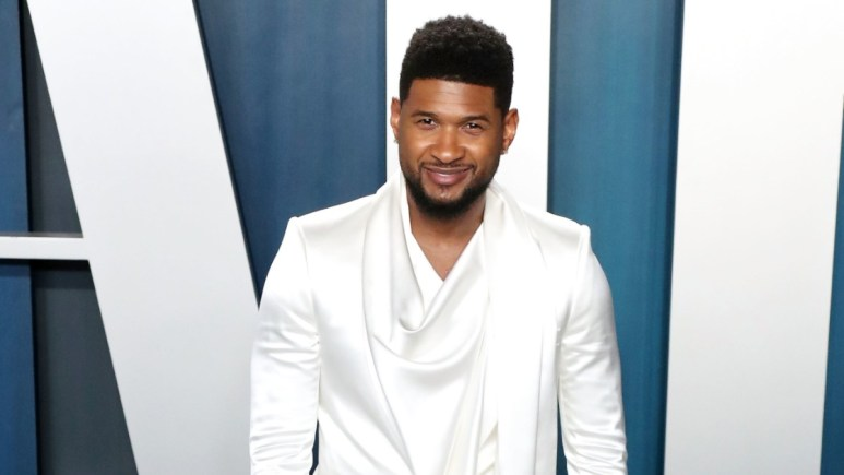 Usher on the red carpet