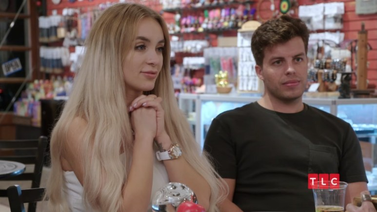 Yara and Jovi see a psychic on 90 Day Fiance