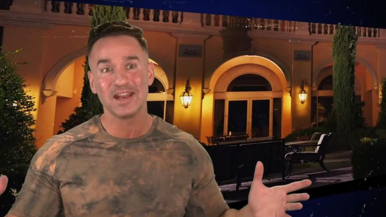 """Mike """"The Situation"""" Sorrentino during an episode of Jersey Shore Family Vacation"""