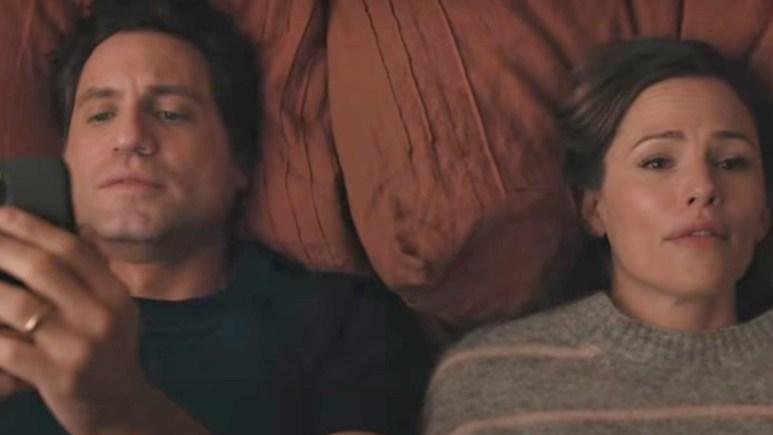 Edgar Ramirez and Jennifer Garner in Netflix's Yes Day.