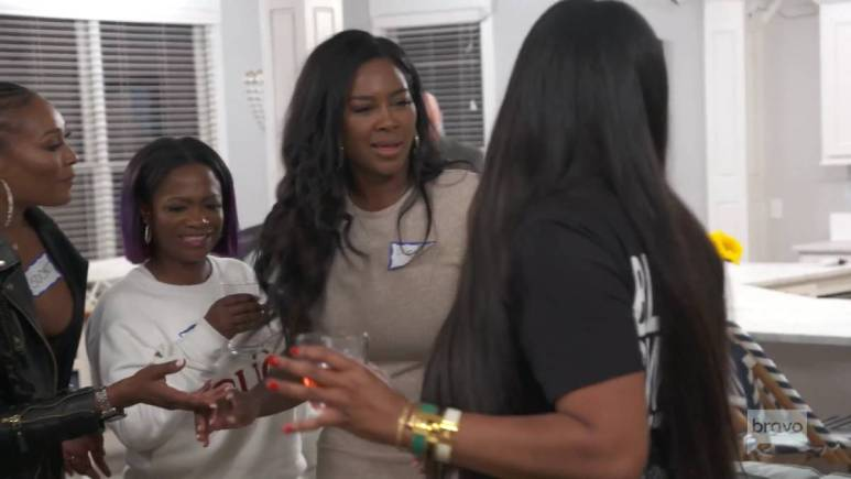 Kenya Moore and Marlo Hampton had it out over her room choice.