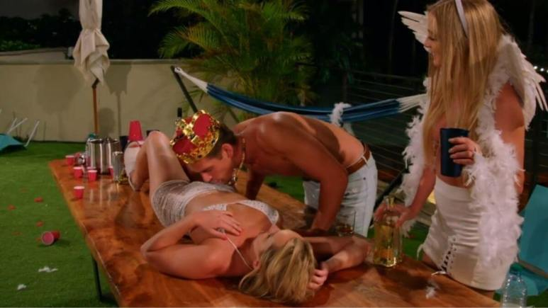 Corey and two of the girls on Temptation Island