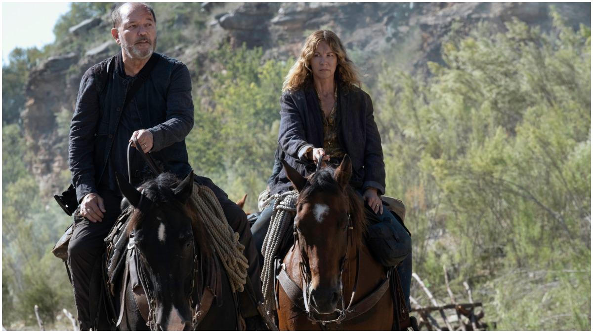 Ruben Blades as Daniel and Jenna Elfman as June, as seen in Episode 9 of AMC's Fear the Walking Dead Season 6