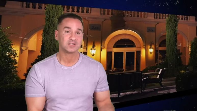 Mike Sorrentino on an episode of Jersey Shore Family Vacation