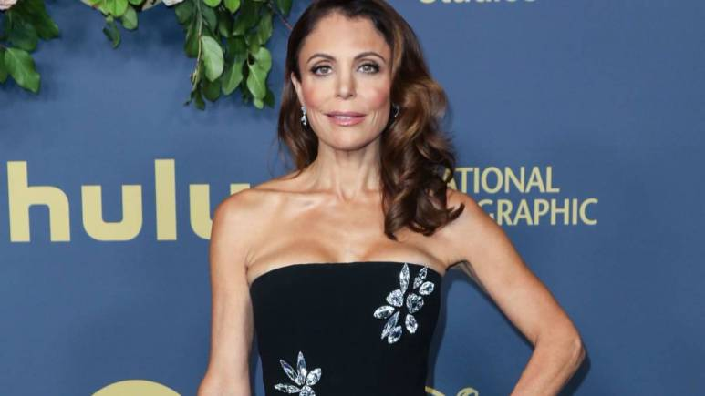 Bethenny Frankel poses on the red carpet