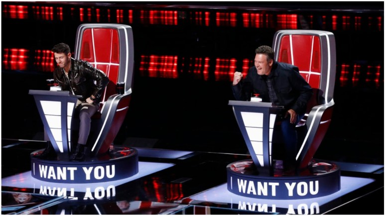 Blake Shelton Nick Jonas on the voice