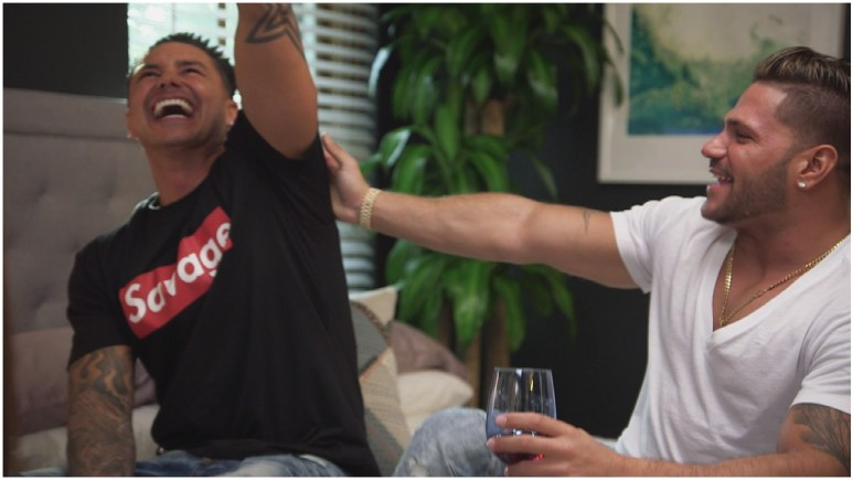 Pauly D and Ronnie Ortiz-Magro star on JSFV.