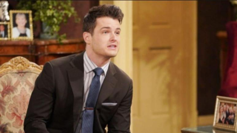 The Young and the Restless spoilers tease Kyle and Summer's lives fall apart.