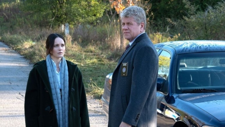 Rebecca Breeds and Michael Cudlitz on the set of Clarice