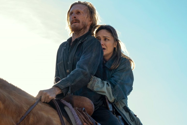 Austin Amelio as Dwight and Christine Evangelista as Sherry, as seen in Episode 16 of AMC's Fear the Walking Dead Season 6