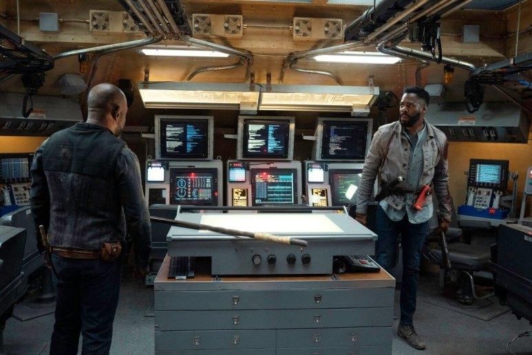 Lennie James as Morgan Jones and Colman Domingo as Victor Strand, as seen in Episode 15 of Fear the Walking Dead Season 6