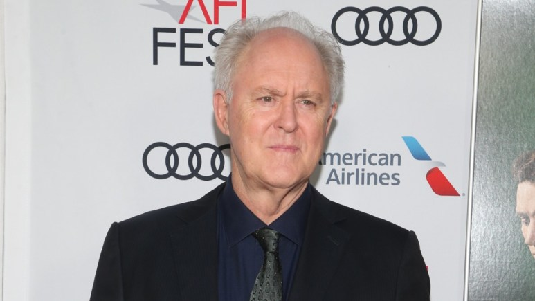 Jon Lithgow on the red carpet
