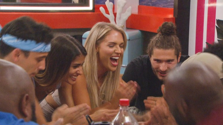 BB23 Cast Hangs Out