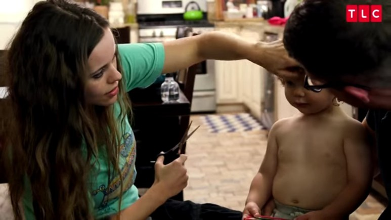 Jessa Duggar is the hairdresser in the family.