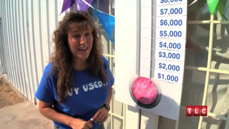 Michelle Duggar and the family hit up flea markets.