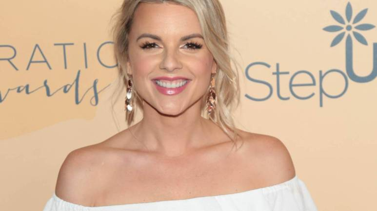 Ali Fedotowsky on the red carpet