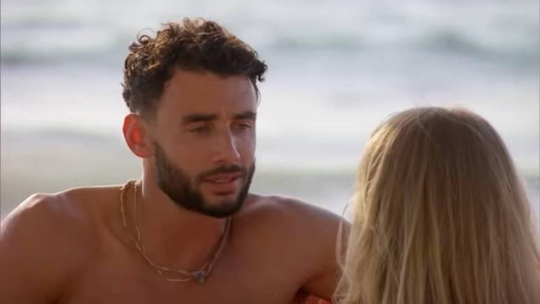 Brendan Morais films for Bachelor in Paradise