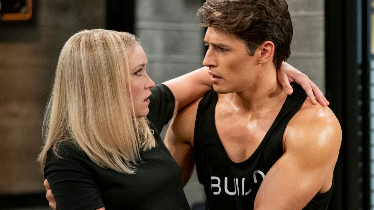 Production still of Gregg Sulkin and Emily Osment in Pretty Smart