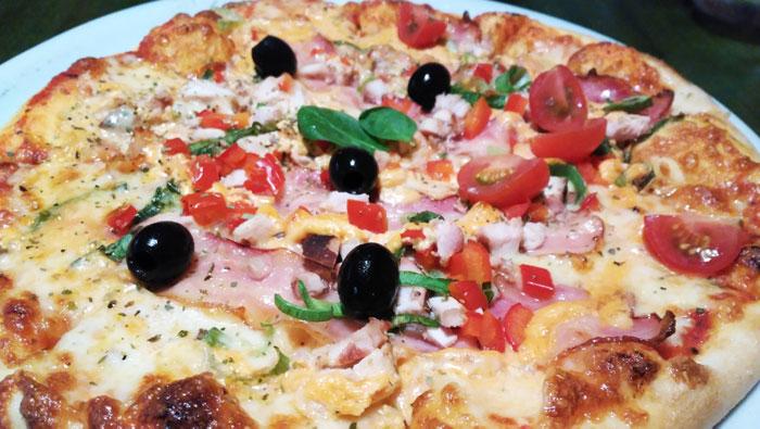 Que-ver-en-Riga-pizza-cili-pica