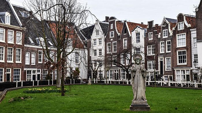 Que-ver-amsterdam-begijnhof