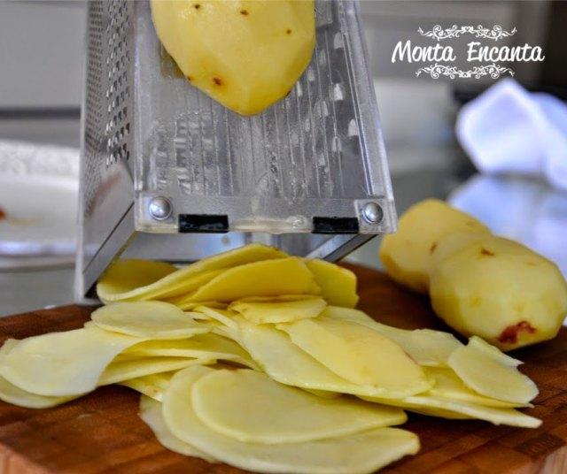 bacalhau-em-posta-batatas-pimentão-monta-encanta11