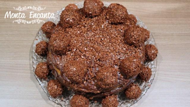 Naked Cake de Cenoura com Brigadeiro